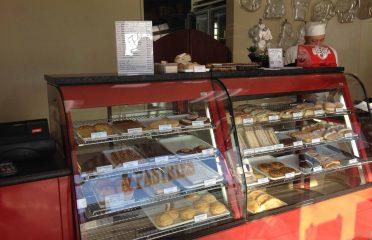 Choice Cakes & Pastries